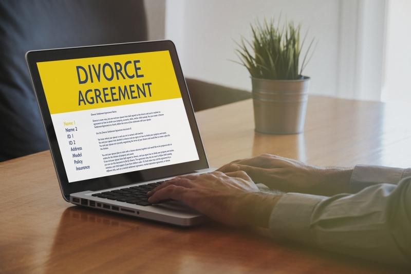 Digital Divorce – Mixed Reviews
